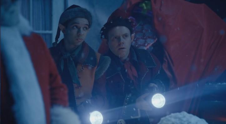 10 punti a chi indovina chi sia l'elfo a destra.