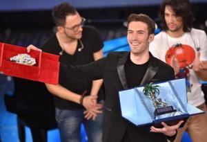 >>>ANSA/ Sanremo:Giovanni Caccamo vince tra le Nuove Proposte