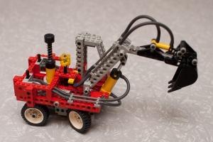Lego_Technic_8837_-_Pneumatic_Excavator