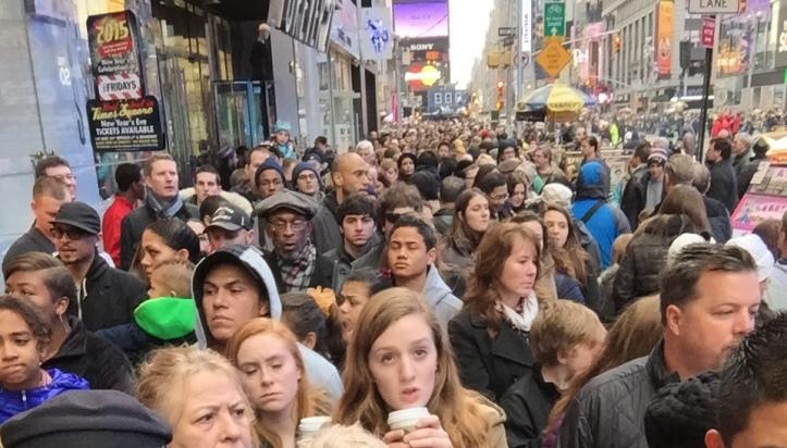 New York piena di gente per Natale