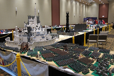LEGO-Lord-of-the-Rings-Minas-Tirith-by-Chris-Phipson-Mark-Kelso