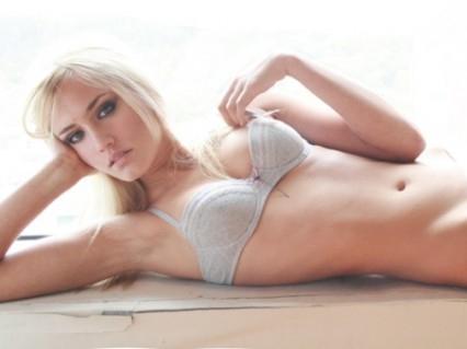 Naomi Kyle - Thumb