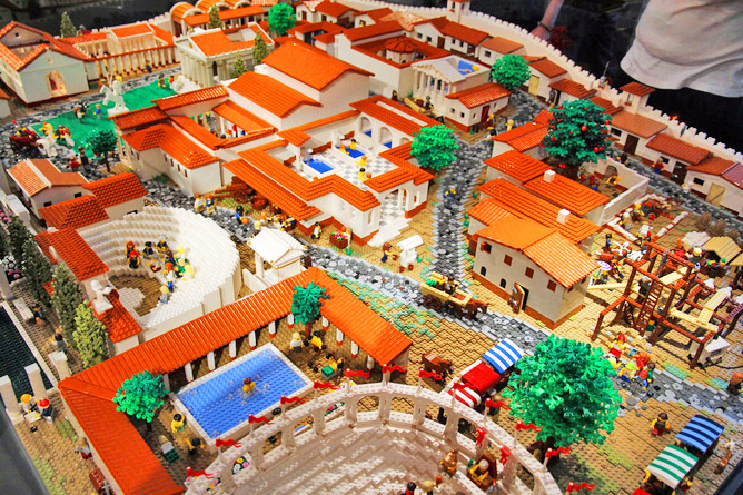 LEGO-Pompeii-by-The-Brickman-4