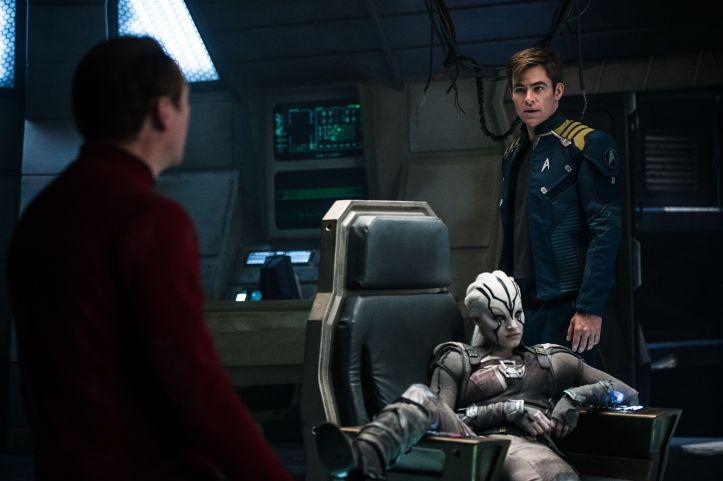 Simon-Pegg-Sofia-Boutella-and-Chris-Pine-in-Star-Trek-Beyond